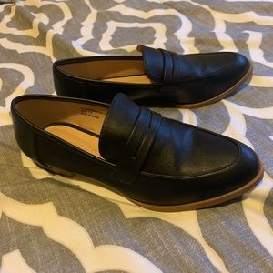 Black faux-leather loafers